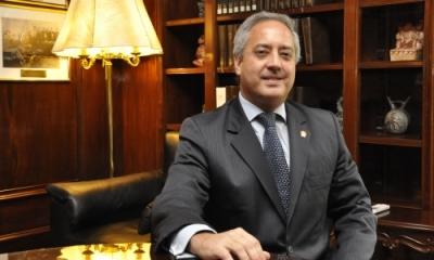 Luis Escalante, abogado Ulima y diplomático.