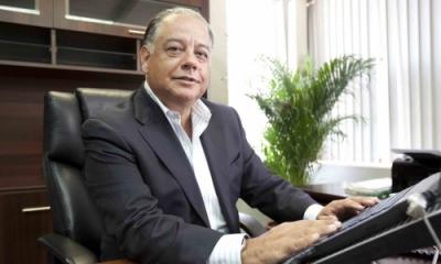 Alberto Olaechea (Administración).