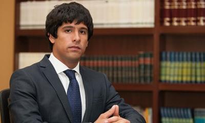 """Alberto Balladares de la Piniella (Derecho) se basó en su tesis para escribir su ensayo para el concurso """"Ulises Montoya Manfredi""""."""