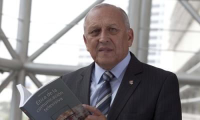 José Perla acaba de publicar 'Ética de la comunicación televisiva'.
