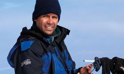 Ernesto Málaga (Ingeniería Industrial) ayuda a empresas a resolver problemas a partir del montañismo.