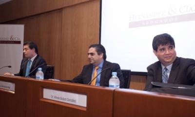 Enrique Cavero Safra, Luis García Muñoz-Nájar y Alfredo Bullard González en la Ulima.