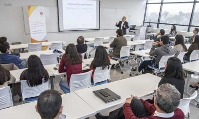 La Ulima fue sede de una mesa de trabajo con académicos y expertos en finanzas.