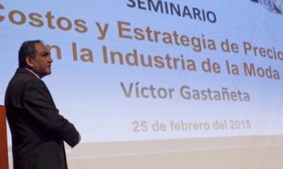 Víctor Gastañeta Navarrete en el Auditorio Central de la Ulima.