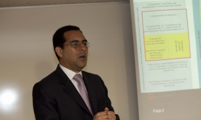 Carlos Francisco Valdivia Valladares en el II Foro Empresarial de Contabilidad.