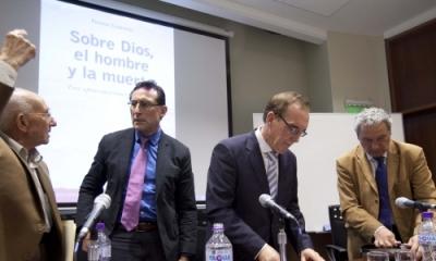 Desiderio Blanco, Ricardo Braun, Fermín Cebrecos y Miguel Giusti luego de la presentación.