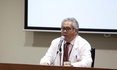 El Dr. José Luis Montoya en charla sobre la diabetes.