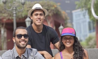 Jorge Monsalve Barrenechea (centro) y miembros de su equipo.