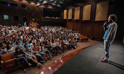 Gonzalo Ladines (Comunicación), en el preestreno de 'Como en el cine' en el Auditorio Central.