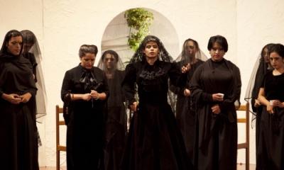 'La casa de Bernarda Alba', de Federico García Lorca, interpretada por el CAE.