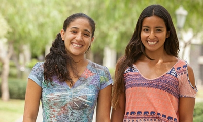 Daniela Morales (Comunicación) y Kaori Miyahara (Negocios Internacionales).