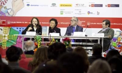 María Teresa Quiroz, María Mendoza Michilot, José María Salcedo y Alejandro Miró Quesada en la FIL Lima 2013.