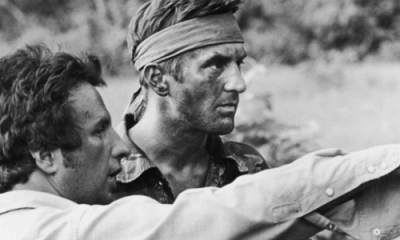 Michael Cimino (izquierda) dirige a Robert De Niro en 'El francotirador'. Foto tomada de bobfishernv.com