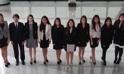 Alumnos de la delegación Ulima en el MOEA 2014.