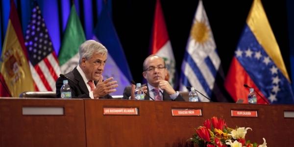 Los ex presidentes Sebastián Piñera (Chile) y Felipe Calderón (México).