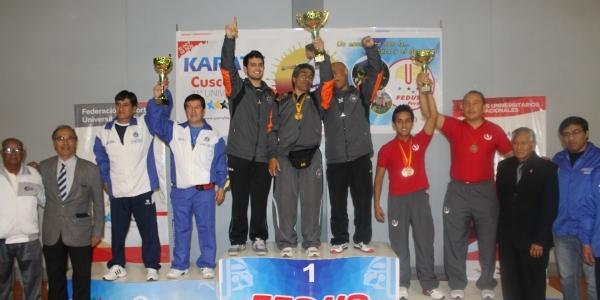 Nuestros ganadores de karate.