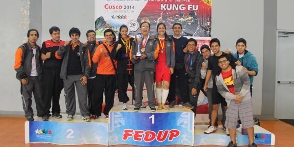 El equipo de kung-fu.