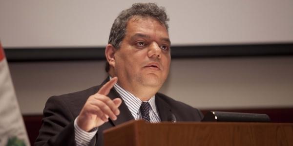 Juan José Blossiers Mazzini.