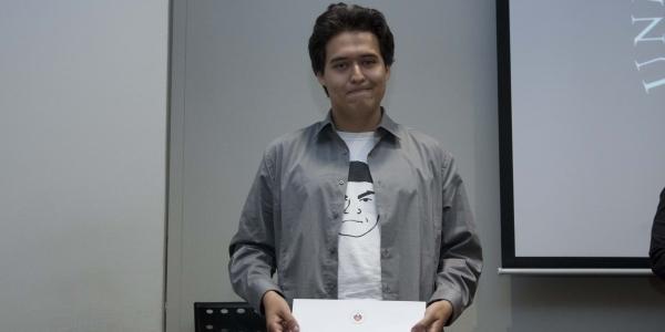 Alejandro Núñez Alberca, segundo puesto en cuento.