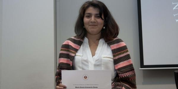 María Gracia Echevarría Zárate, tercer puesto en poesía.