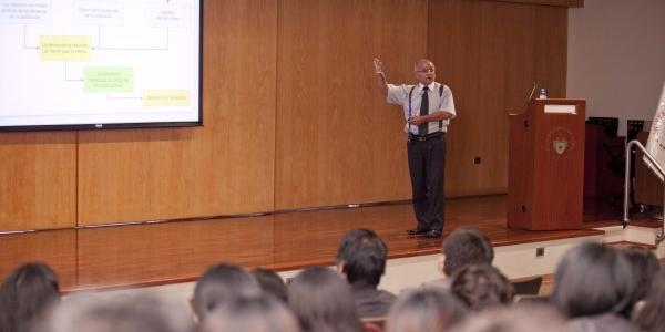 Ing. Héctor Chávarry Rojas.