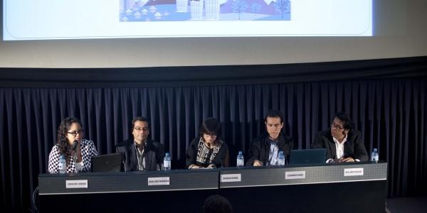 Carolina Urbina, Juan José Miranda, Ximena Barra (moderadora), Eduardo Ojeda y William Vásquez.