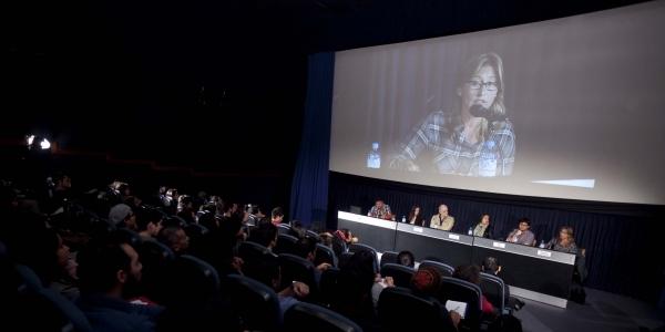 Gastón Vizcarra, Rossana Díaz, Ricardo Bedoya (moderador), Ina Mayushin, Pablo J. Ruiz y Nathalie Hendrickx.