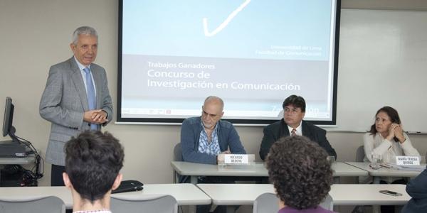 El decano de Comunicación, Walter Neira, subrayó la importancia del diálogo en los comunicadores.