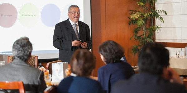 Juan Carlos Hernández Cruz en el desayuno empresarial de la Escuela de Posgrado de la Ulima.