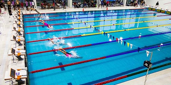 Piscina ulima se inaugur con victoria en campeonato de for Piscina de natacion