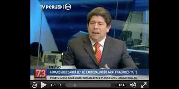 El profesor Jorge Ochoa en TV Perú.